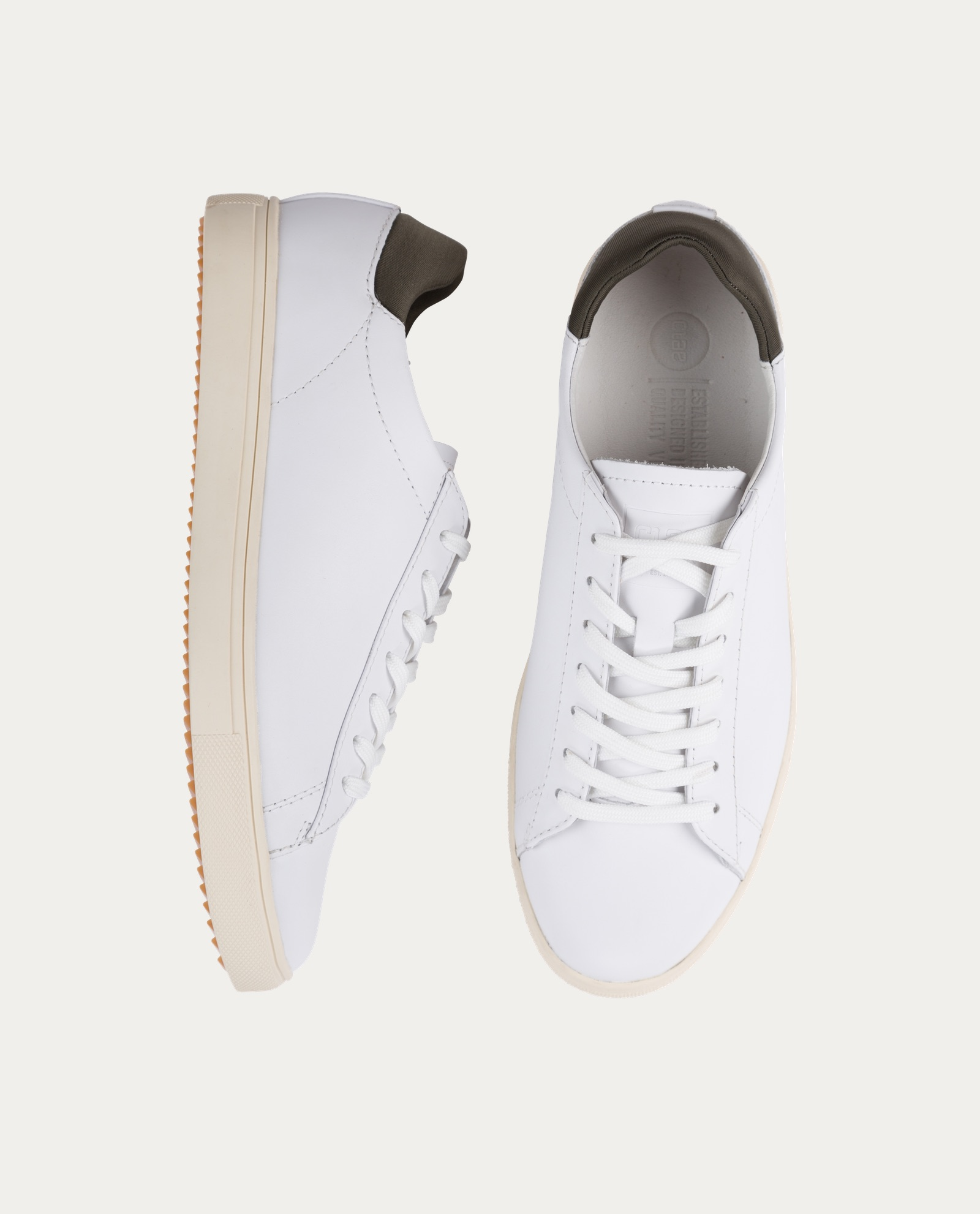clae_chaussure_sniquers_blanches_4