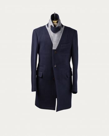 three_animals_manteau_bleu