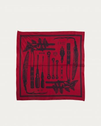 a_piece_of_chic_foulard_soie_70_70_tools