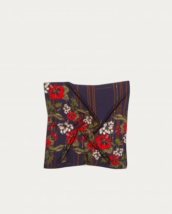 a_piece_of_chic_foulard_soie_tiki