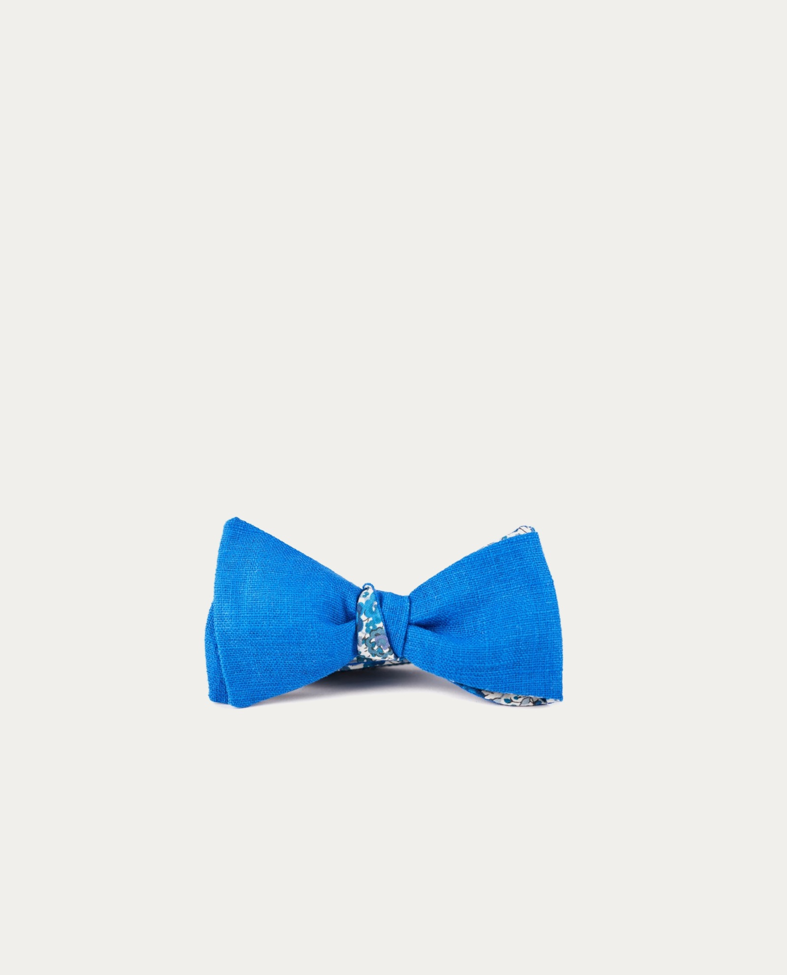 le flageolet noeud papillon emma and georgina revers bleu roi concept store barbier. Black Bedroom Furniture Sets. Home Design Ideas