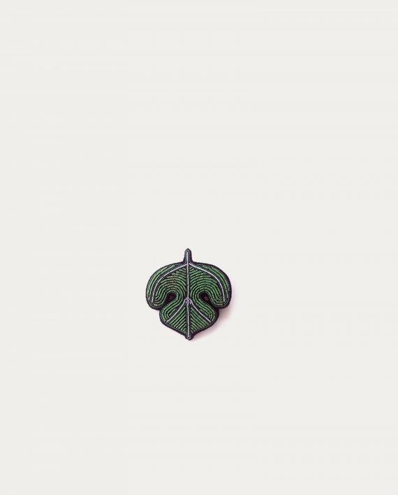 macon lesquoy broche feuille de figue concept store barbier coiffeur pour l 39 homme tonsor. Black Bedroom Furniture Sets. Home Design Ideas