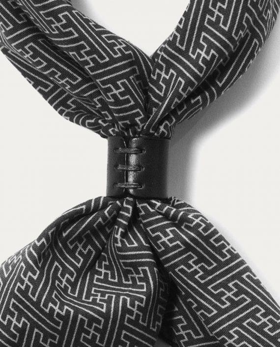 a_piece_of_chic_bandana_geometrique_noir_ecru_1