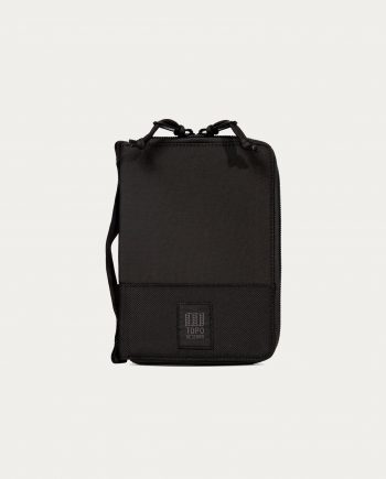 Topo Designs global case black