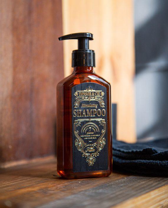 stimulating-hair-shampoo-beauty-shot